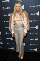 Gwyneth Paltrow in Peter Pilotto ai GLAAD Awards