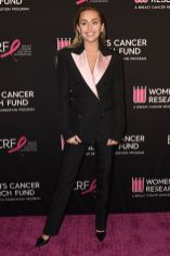 Miley Cyrus in Tom Ford al The Women's Cancer Research Fund gala.