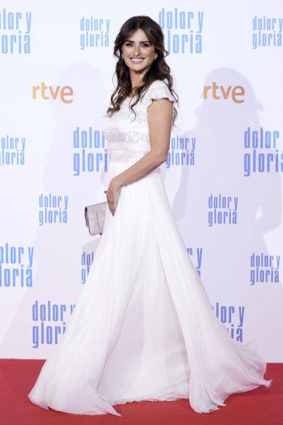 Penelope Cruz in Chanel alla premiere of Dolor y Gloria, Madrid