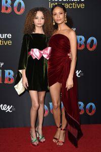 Thandie Newtont in Oscar de la Renta, Nico Parker in Gucci, alla premiere di DUmbo