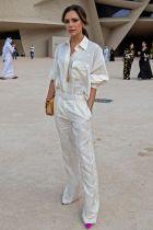 Victoria Beckham in una sua creazione al National Museum of Qatar, Doha.