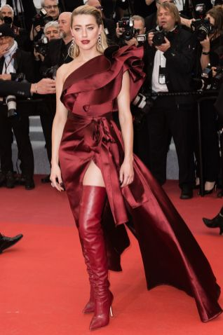 Amber Heard in Elie Saab alla premiere of Pain And Glory, Cannes Film Festival
