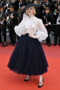Elle Fanning in Christian Dior Haute Couture al Cannes Film Festival Red Carpet 2019