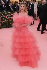 Emma Roberts in Giambattista Valli HC al MET Gala, NY