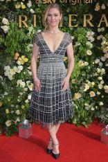 Julia Stiles con gioielli Boodles alla screening di Riviera, London