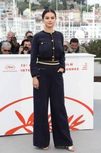 Selena Gomez in Chanel ad un photocall, Cannes Film Festival