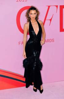 Bella Hadid in Michael Kors ai The CFDA Awards, New York