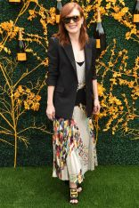 Julianne Moore in Givenchy al Veuve Clicquot polo, New Jersey