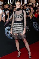 Sophie Turner in Louis Vuitton alla South Korean premiere of X-Men Dark Phoenix