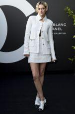 Kristen Stewart in Chanel al lancio deel Chanel's Noir et Blanc AWr 2019 make-up collection, Paris