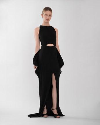 Mia Goth in Burberry al Vogue Paris Foundation Gala 2019