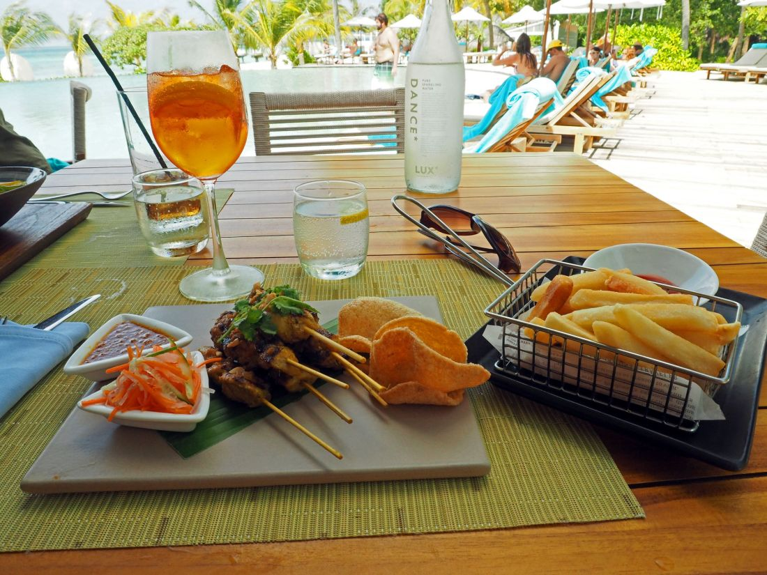 Lunch at Veli Bar LUX Maldives