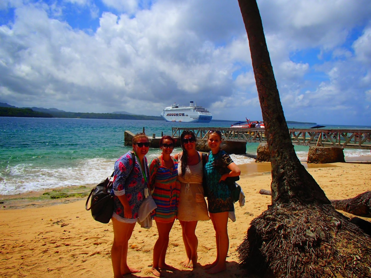 Girls on P and O South Pacific Cruise at Wala
