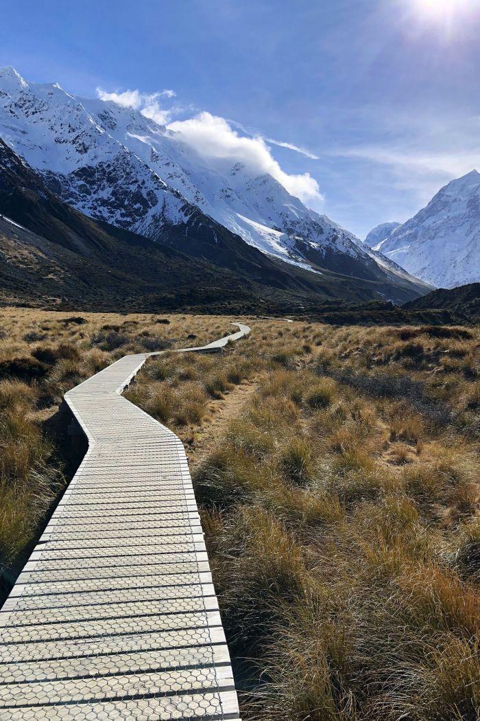 Hooker Valley Track: New Zealand's Prettiest Day Hike