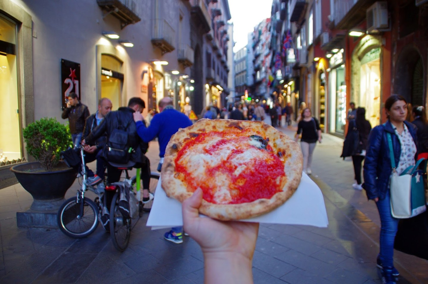 Pizza-in-Naples