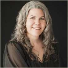 Elizabeth Martindale - At The Seeker's Round Table - Austin Pet Psychic - Texas