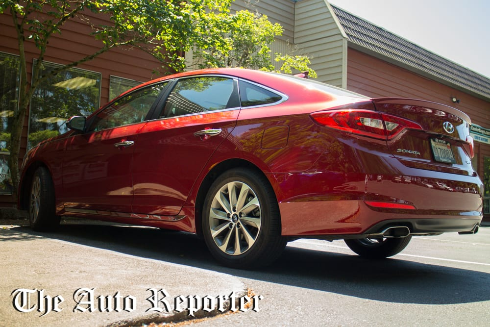 the 2015 hyundai sonata sport brings a smile to your drive. Black Bedroom Furniture Sets. Home Design Ideas