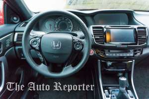 2016_Honda_Accord_10