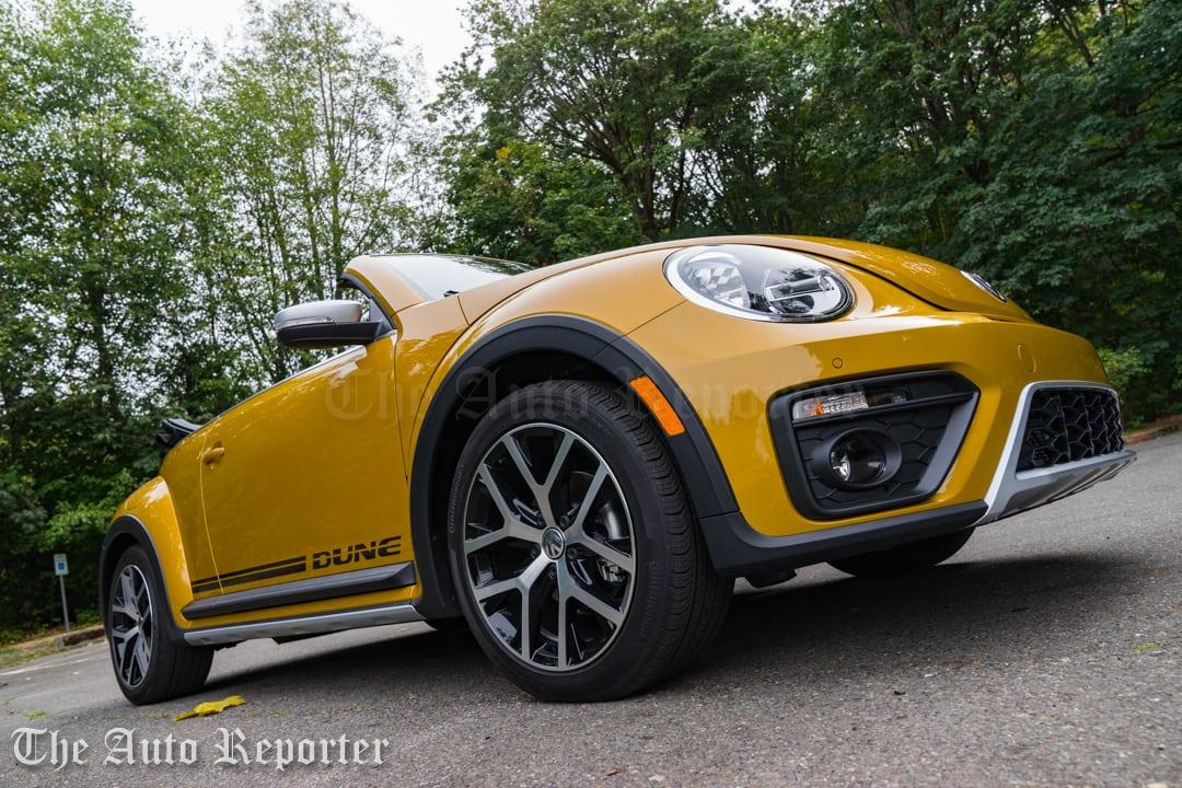 2016-volkswagen-beetle-dune-convertible_11