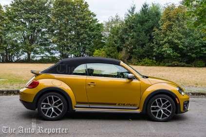 2016-volkswagen-beetle-dune-convertible_14