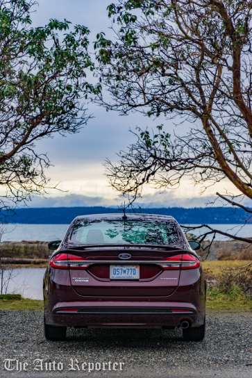 2017 Ford Fusion Hybrid _ 16