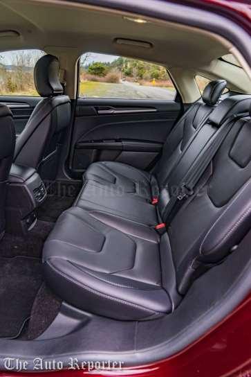 2017 Ford Fusion Hybrid _ 31