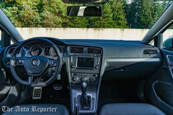 2017 Volkswagen Golf Alltrack-21