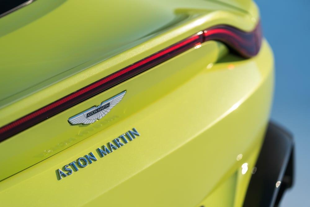 2019 Aston Martin Vantage_13
