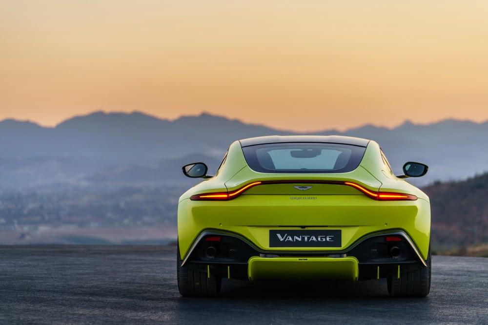 2019 Aston Martin Vantage_21