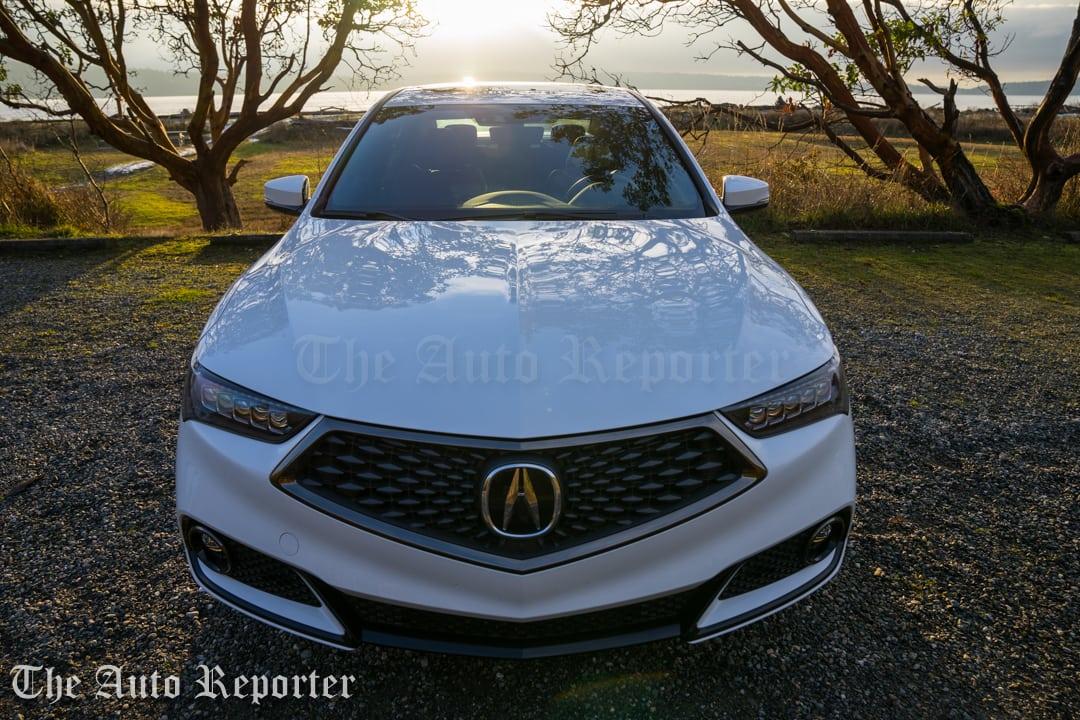 2018 Acura TLX V6 A-Spec SH-AWD_097