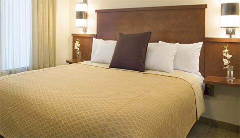 """Standard Hyatt Place room with """"Hyatt Grand"""" bed"""