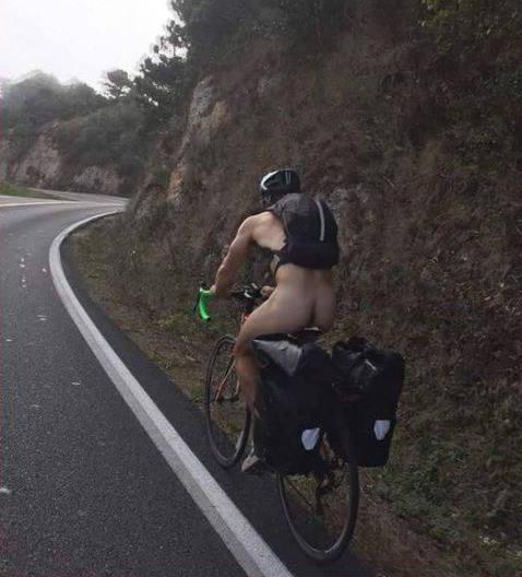 nude-cyclist