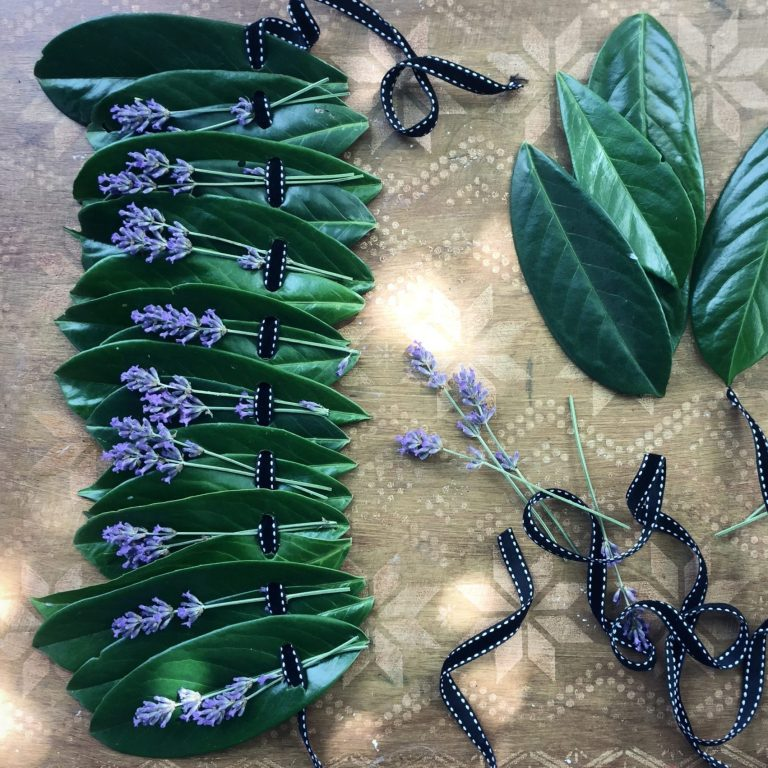 10 minute Easy leaf crown – the perfect sustainable party headdress?