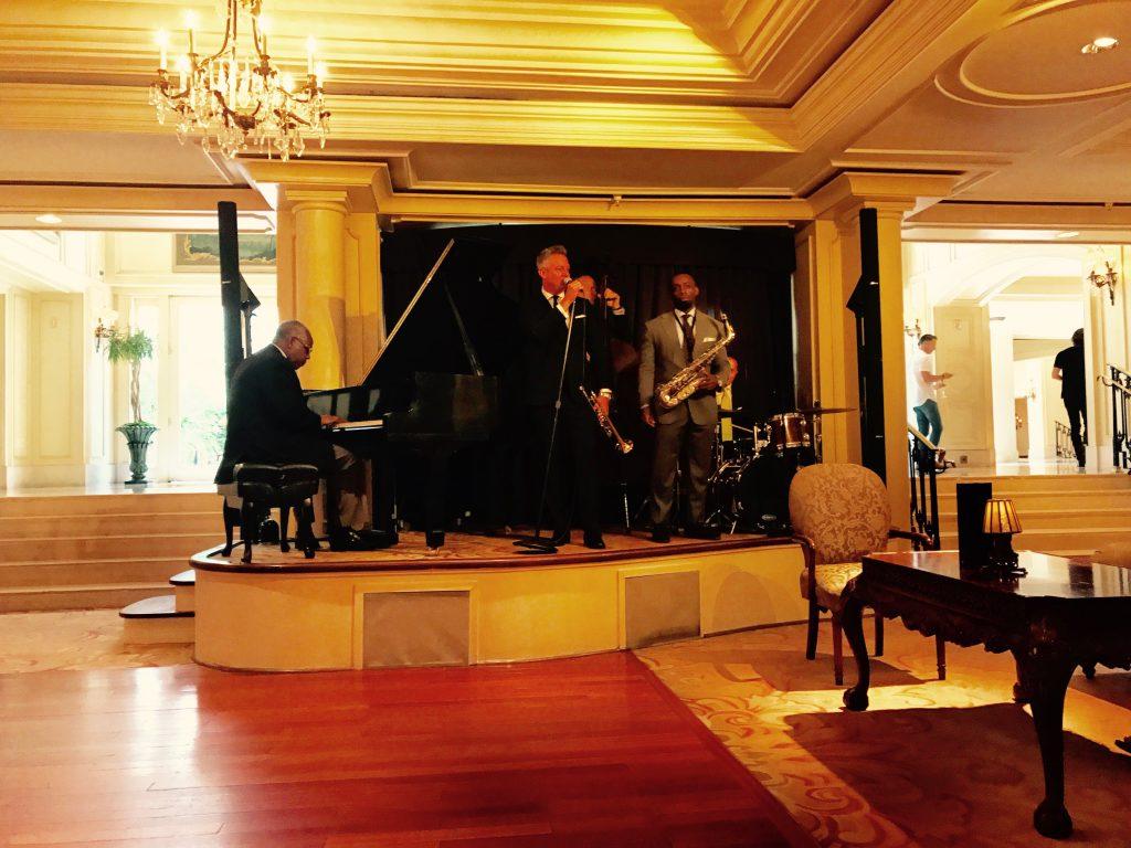 Davenport Lounge Ritz Carlton