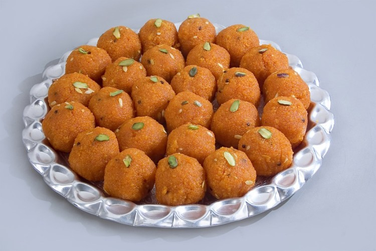 Sweets-with-cardamom-extract