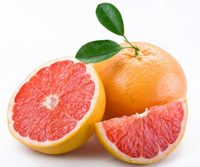 Ripe Grapefruit and slices
