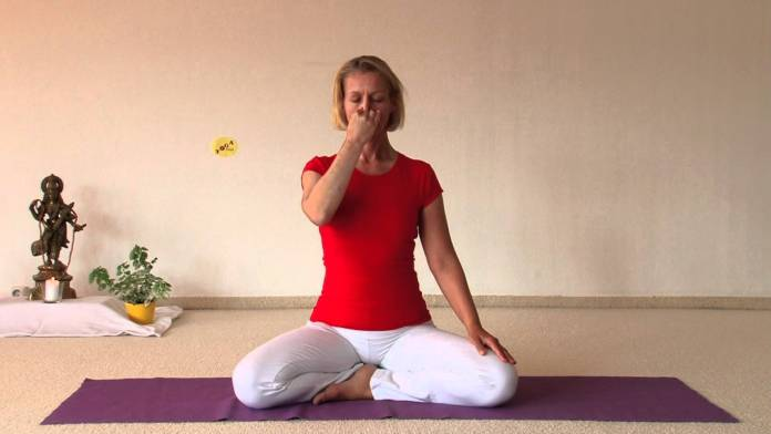 Chandra Bhedi Pranayama for health