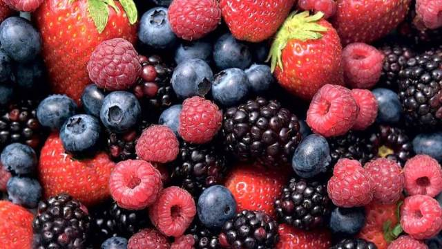Healthy berries for pregnancy