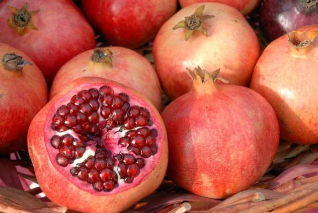 Healthy Pomegranate to increase platelet count