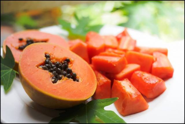 Papaya fruit for platelet count