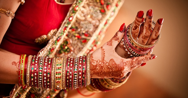 wearing bangles tradition