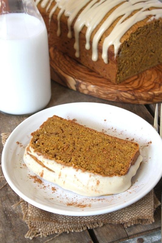 20 Smashing Pumpkin Breads for Fall!