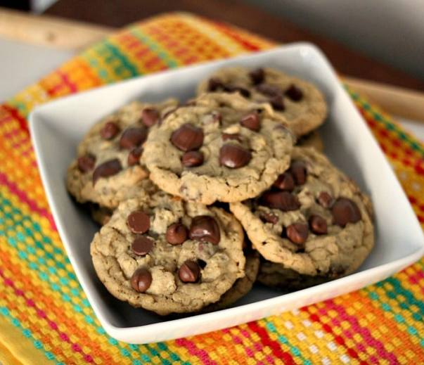 Reese's Peanut Butter Cup Chocolate Chip Oatmeal Cookies