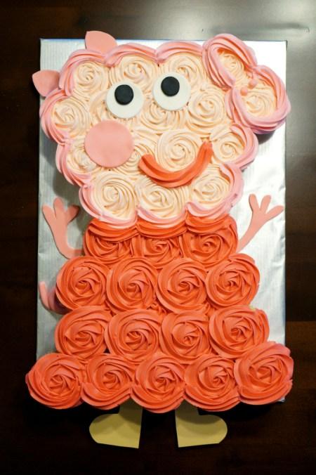 peppa pig cupcake cake | The Baking Fairy