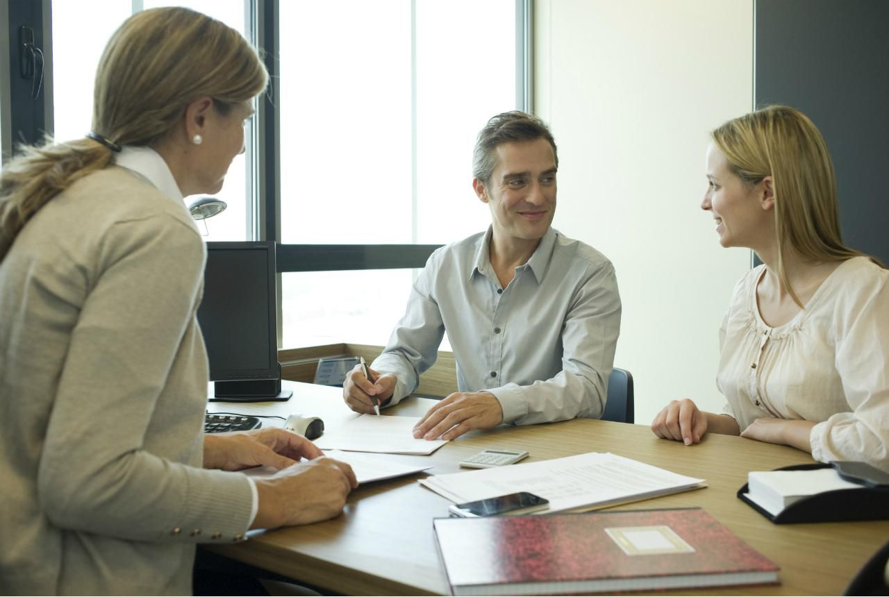 How to Become a Registered Brokers Sales Assistant
