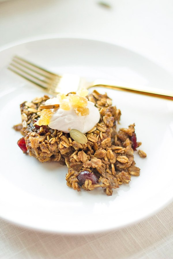 Simple gingerbread baked oatmeal recipe. A wholesome breakfast the whole family will LOVE!