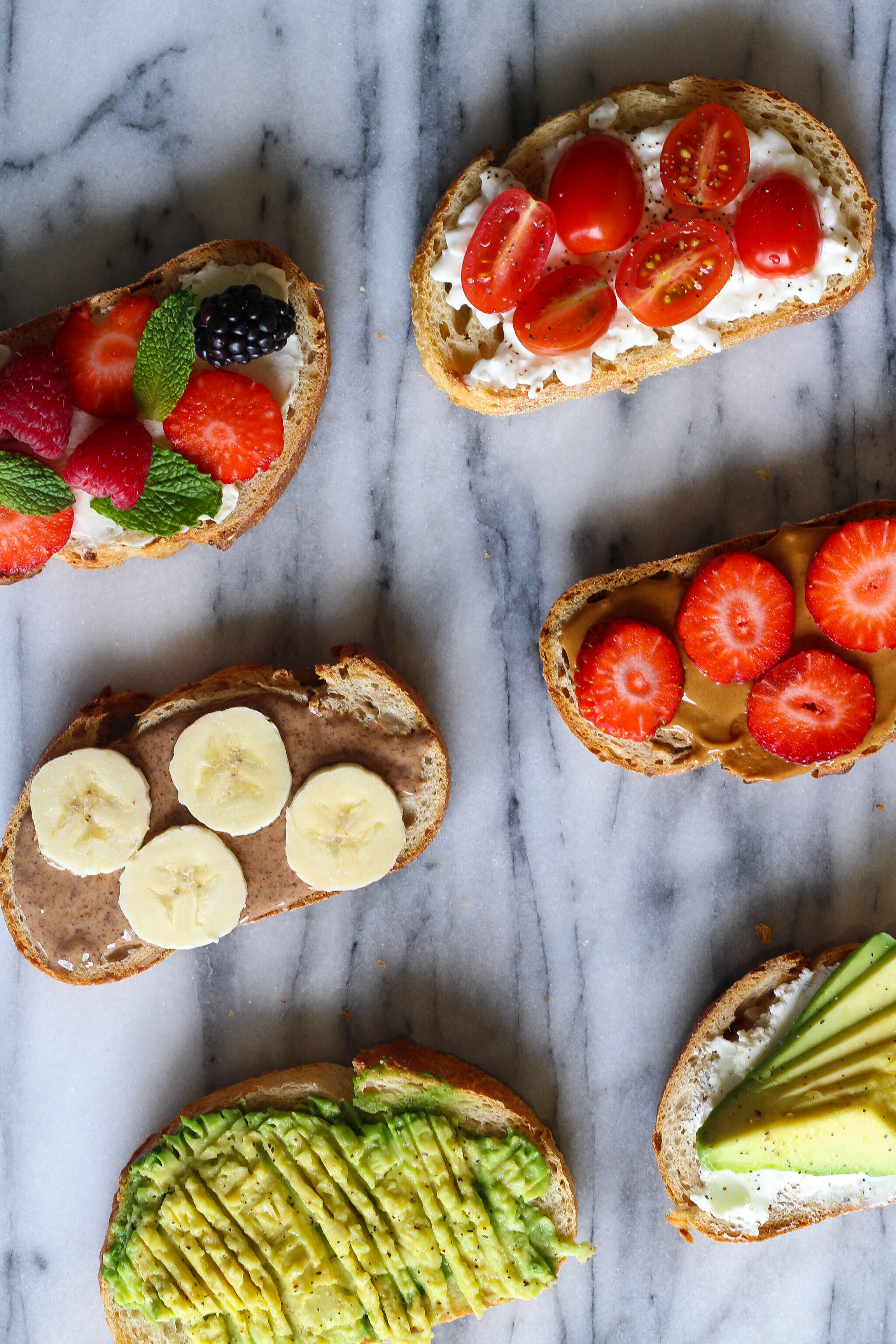 This Toast Bar is a great option to serve at your next brunch to give your guests the gift of option. Using the technique of a taco bar, this toast bar makes for a yummy brunch with various flavor combinations.