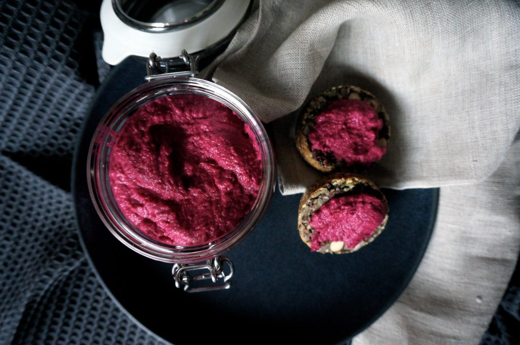 Beautiful Beetroot Hummus blazing beetroot hummus Blazing Beetroot Hummus DSC04415 e1475960990609