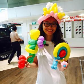 balloon-sculpting-roadshow-car-singapore