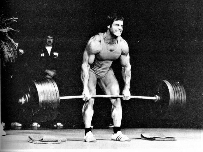 Franco Columbu deadlifting 735 lbs.